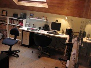 quena² le studio de cyborgjeff