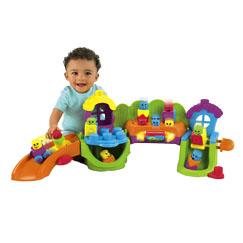 couleurs affreuses, en plastiques, ne ressemblant à rien, typiquement le genre de jouets que je n'aime pas du tout !