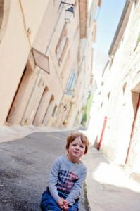 Charly - blouse Space Invaders - Pezenas - Petite Snorkys Photography