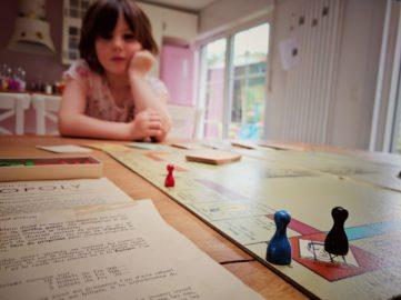 Et si on découvrait le monopoly avec l'édition 1960 de papy des villes !