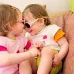 Alice & Juliette - Twins Star - Nez à nez - Petite Snrokys Photography