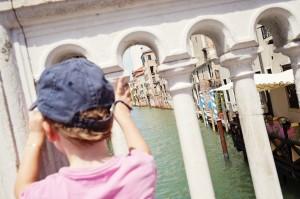 Charly, fasciné par les canaux de Venise