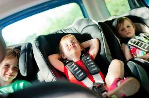 3 sièges auto dans la Kangoo