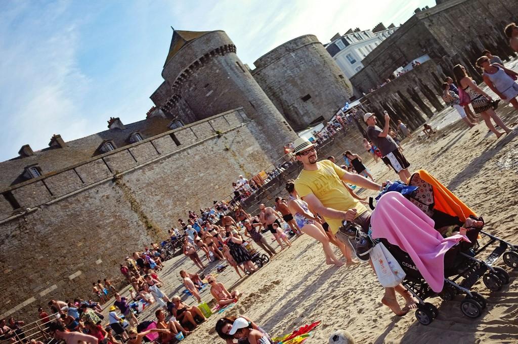 Cosatto sur la plage de Saint Malo