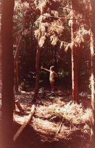 """En se promenant dans les bois, je voulais absolument que mon paternel fasse cette photo, car je trouvais l'ambiance très """"soucoupe volante""""."""