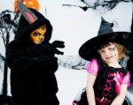 Un loup-garou et deux petites sorcières