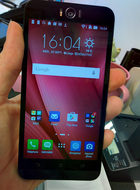 Asus Zenfone 2 Selfie - premier allumage