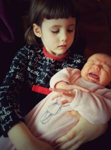 Alice, premier contact avec sa soeur Rose