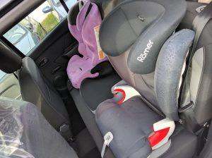 Dacia Sandero - 3 places enfant à l'arrière