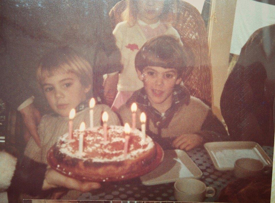 1985, 7 ans