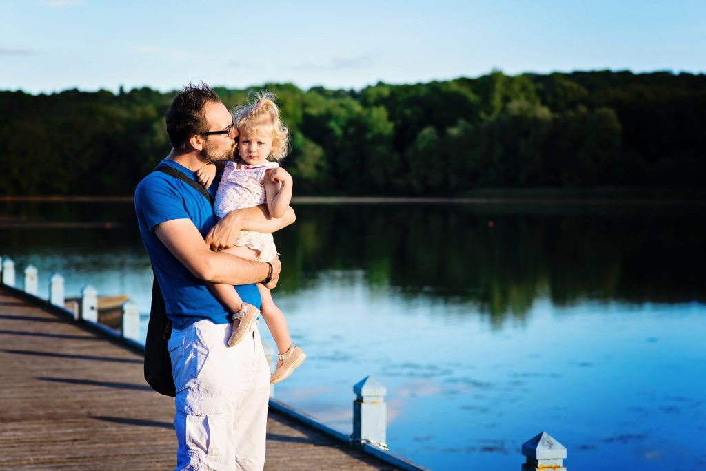 balade sur le petit port en famille - Center Park - Lac d'Ailette