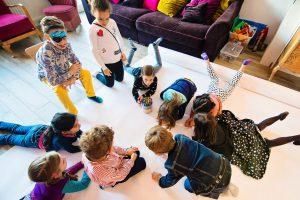 Anniversaire d'Alice et Juliette - 6 ans - Avec les copains et copines d'école
