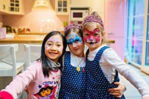 Anniversaire d'Alice et Juliette - 6 ans - avec leur amie Khan