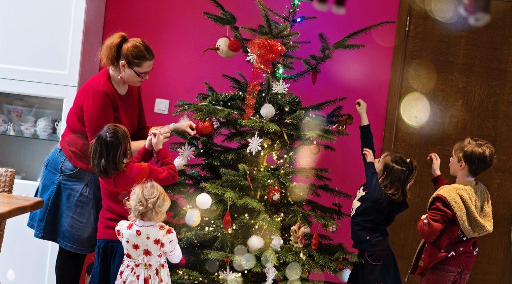 On prépare Noël en famille