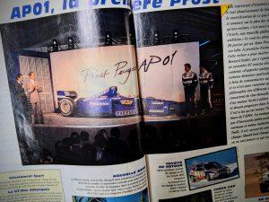 100% bleue, la Prost GP moteur Peugeot