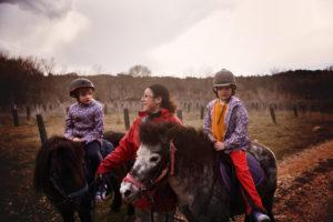 Balade à Poney dans le domaine d'Une Campagne en Provence