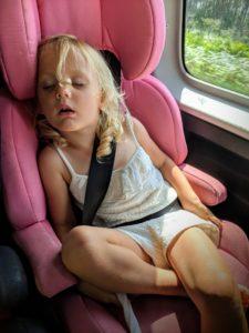Ouf... elle fait une sieste avant la séance photo !