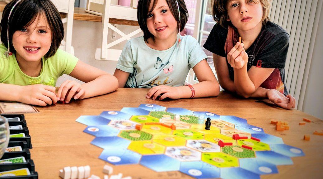 Les enfants découvrent les Colons de Catane