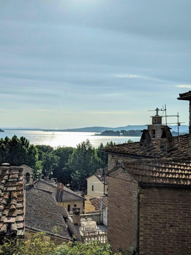 Au loin, c'est Castiglione del Lago