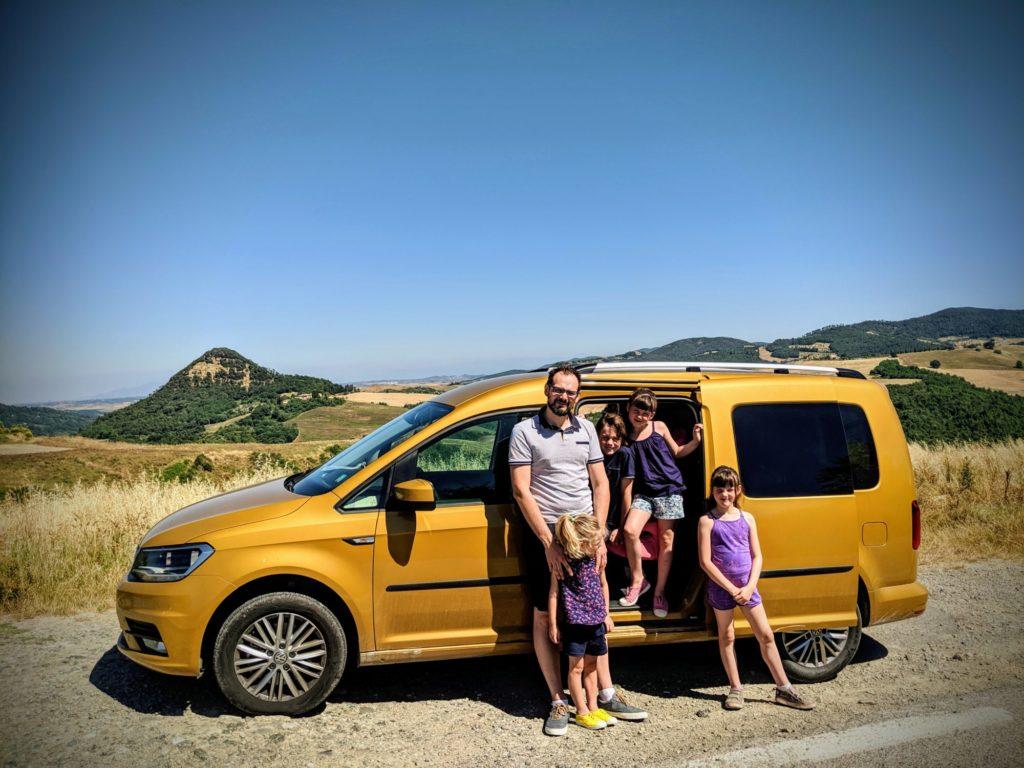 Sur la route de Voltera - Toscane - VW Caddy Maxi