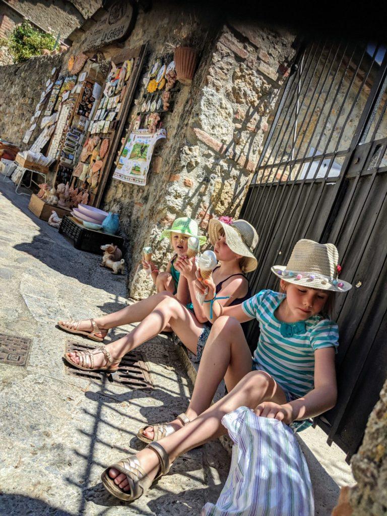 Où se cacher pour manger une glace - Monteriggioni