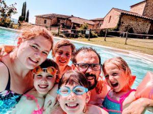 Tous dans l'eau - Vacances à la Casa Verniano en Toscane