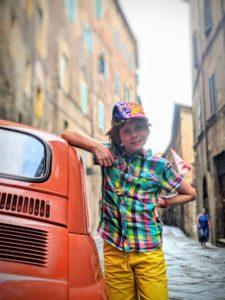 Charly s'est trouvé un chouette Fiat 500 à Sienne !