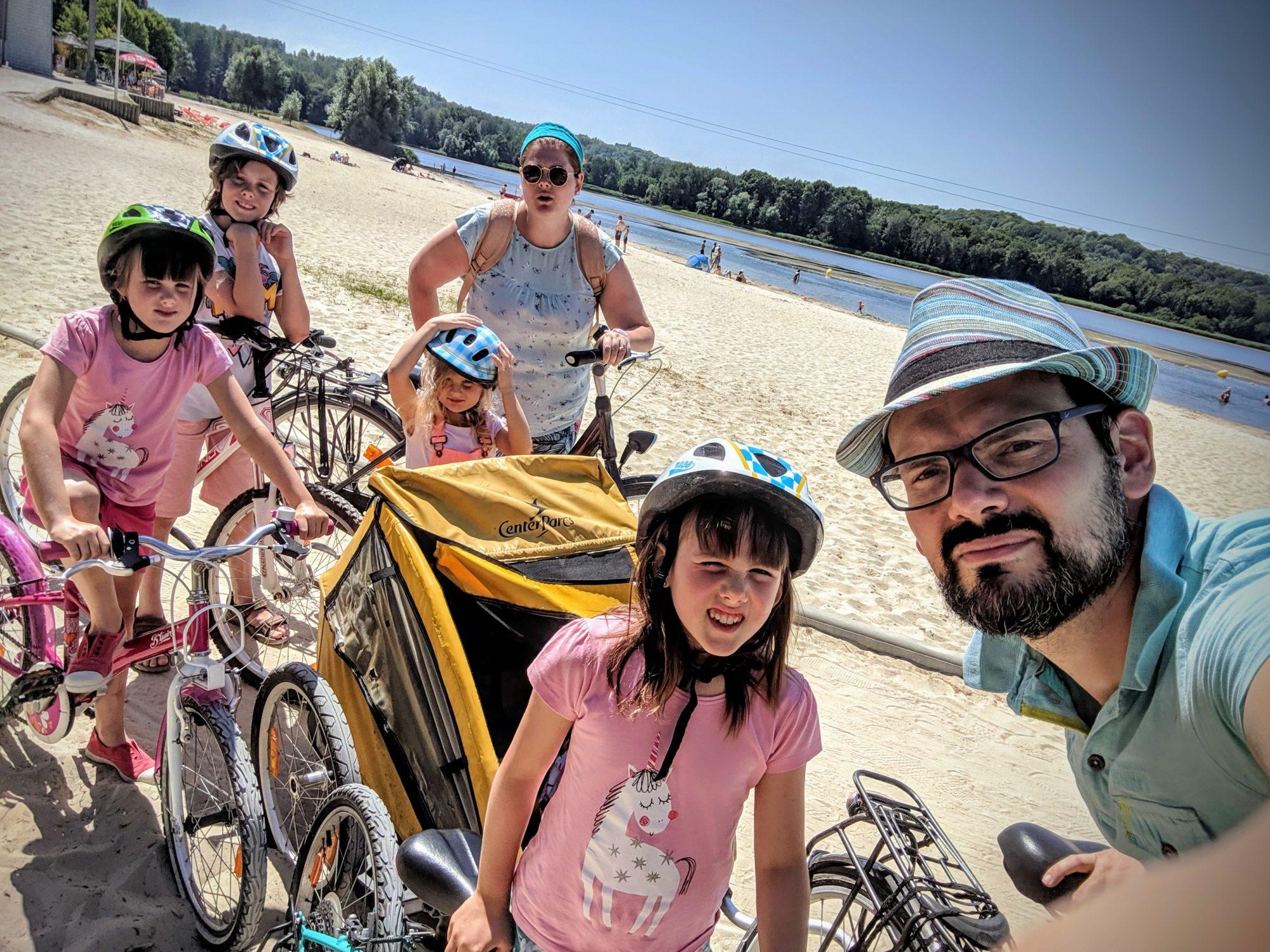 Balade en vélo avec toute la famille