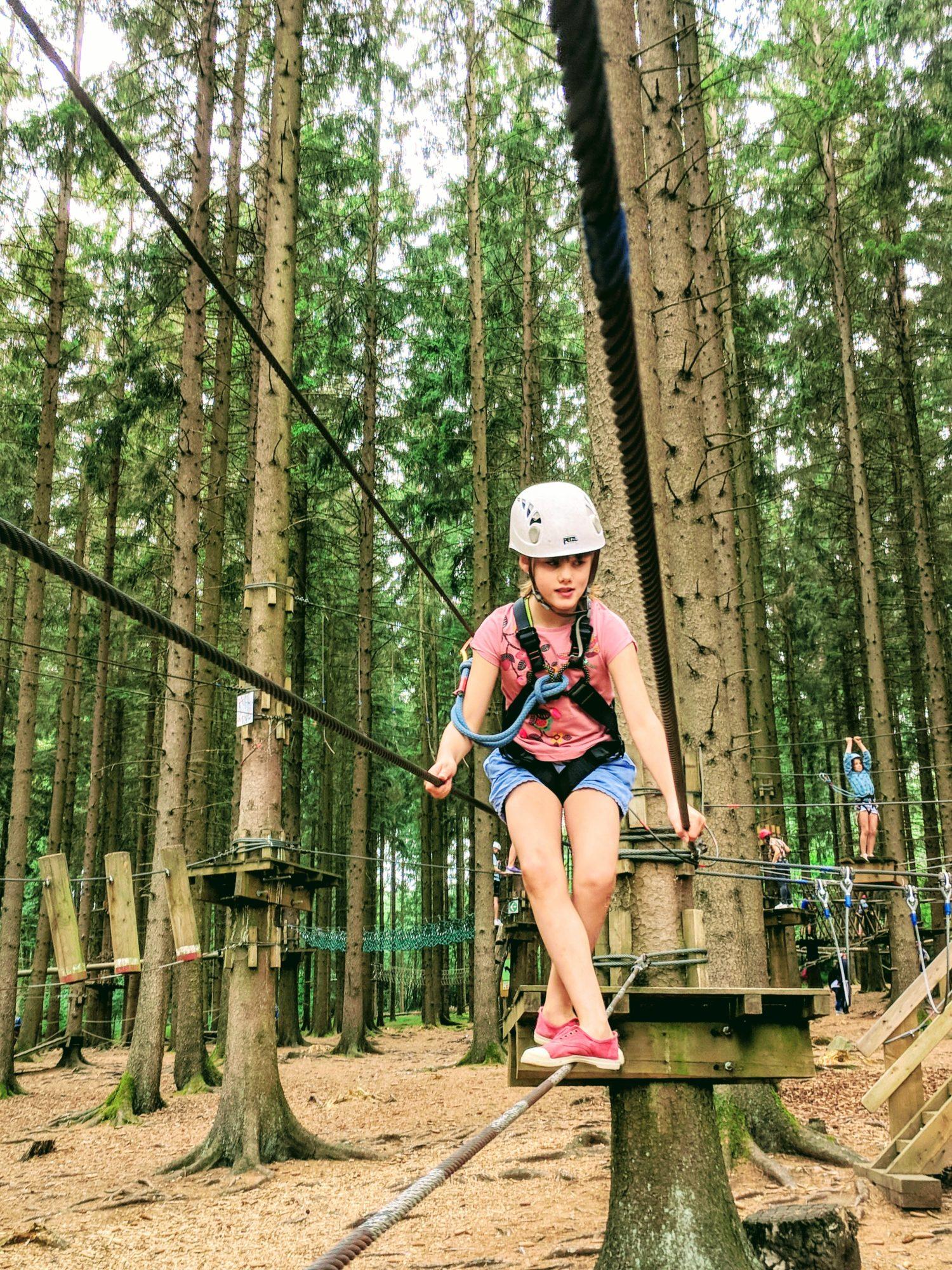 Nouvelle aventure dans l'accrobranche du parc Forestia