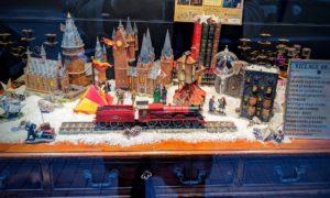 """La vitrine de Noël du magasin """"Les 4 Maisons"""" de Liège"""