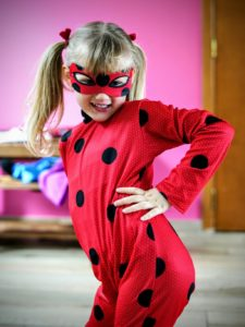 Rose dans son super costume de Lady Bug