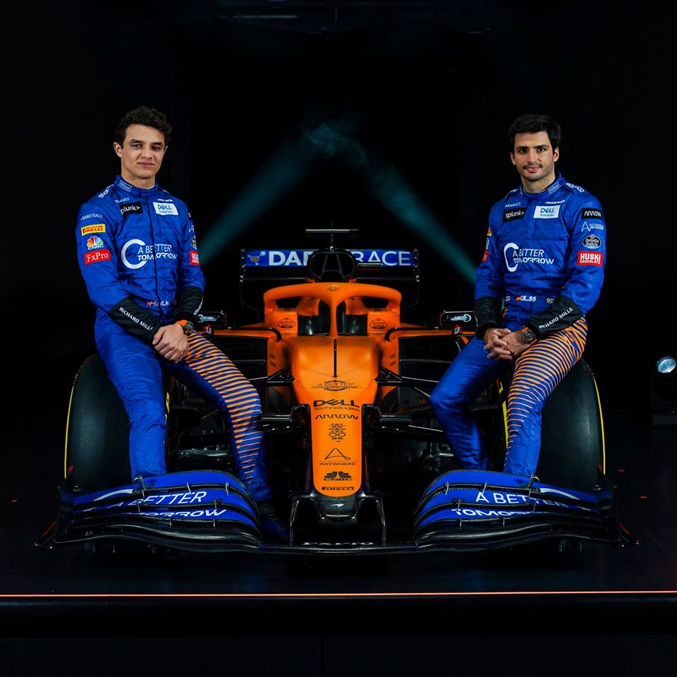 La nouvelle Mc Laren Renault de l'espagnol Carlos Sainz Jr et du britannique Lando Norris