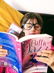 "Juliette lit son ""Billie Jazz"""