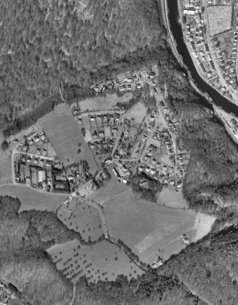 Vue aérienne d'Avister - 1996 - Cartesius NGI