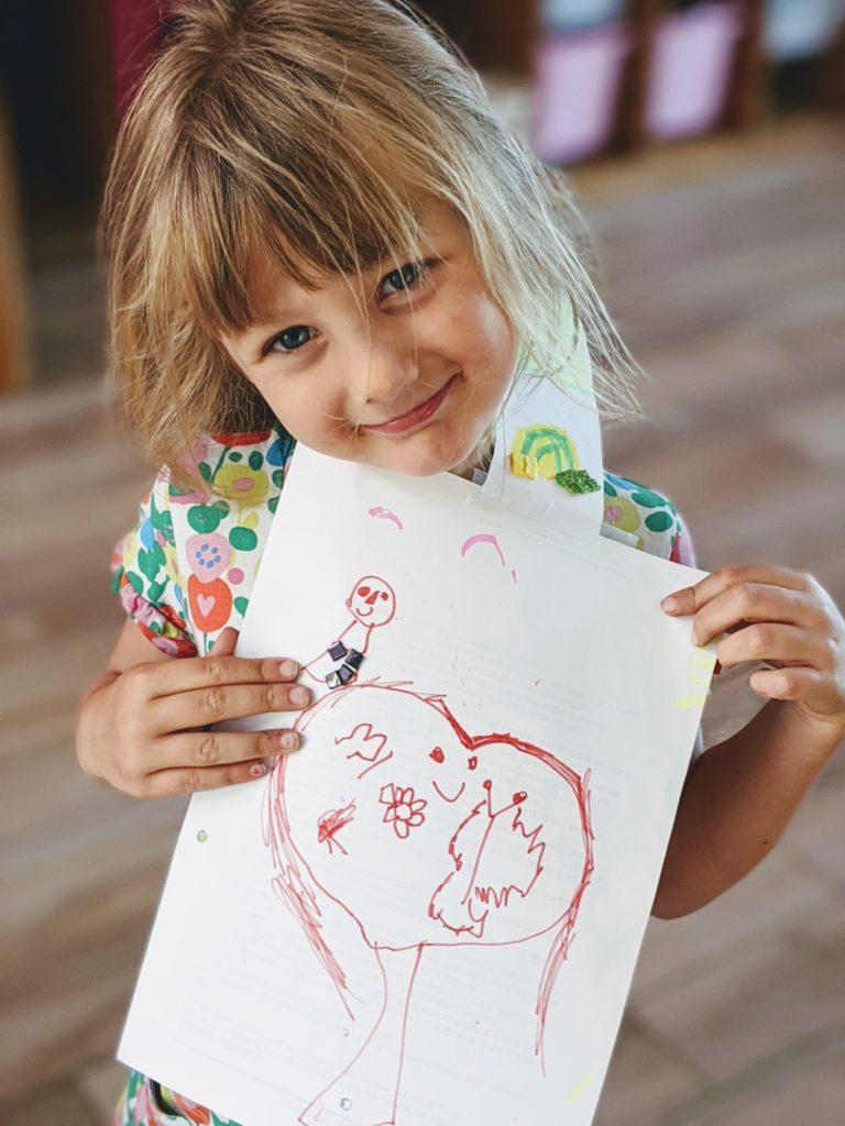 Rose dessine, dessine et dessine encore !