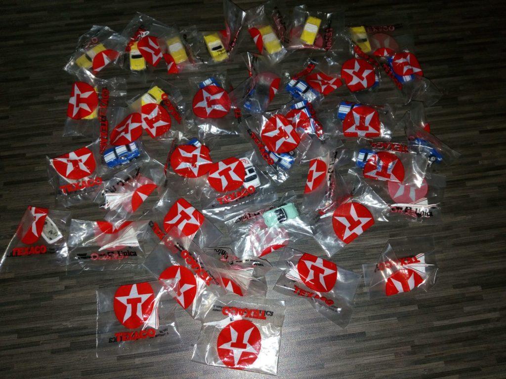 Les Micro Machines offertes en cadeau chez Texaco en Belgique - Merci à Thomas Bodson pour cette trouvaille.