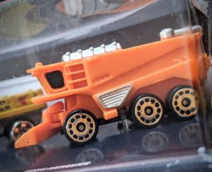 Harvester - Farm #1 - Micro Machines Wicked Cool Toys Hasbro, 2020