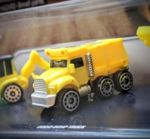 Dump Truck - Constructor #2 - Micro Machines Wicked Cool Toys Hasbro, 2020