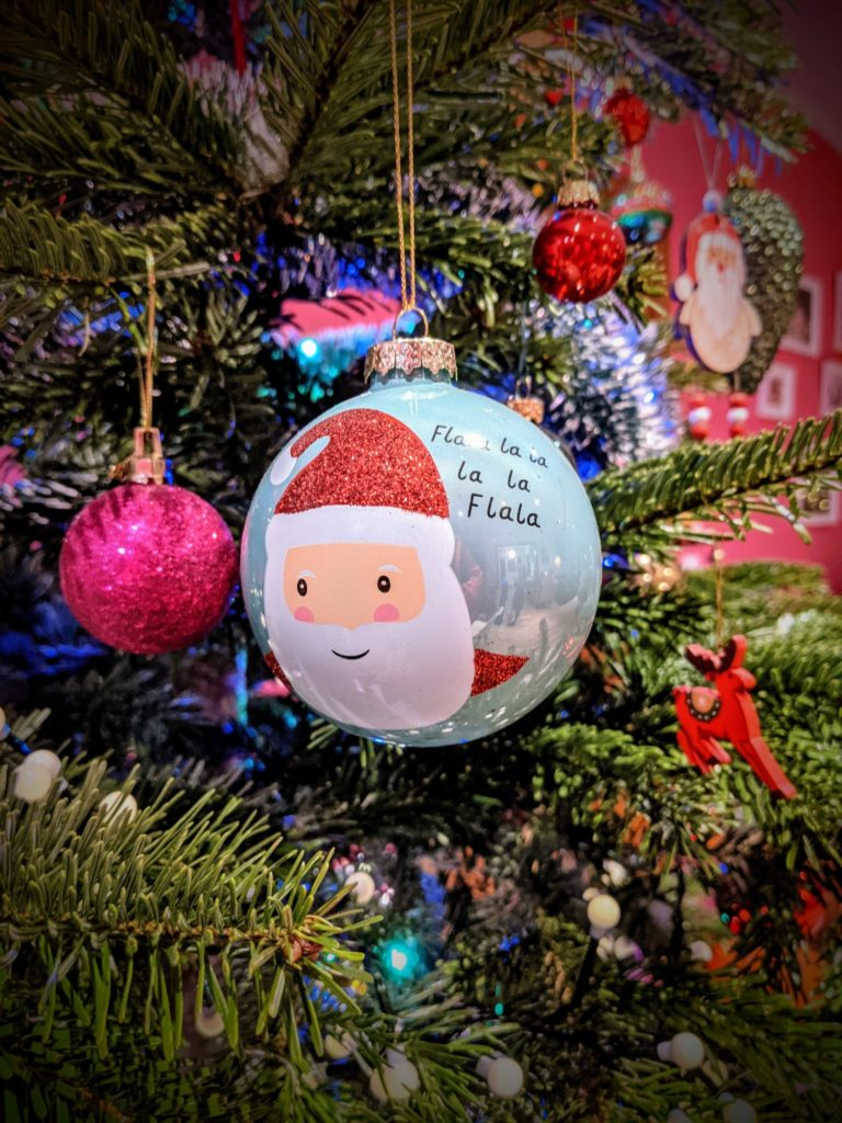 Dernières touches à la déco de Noël