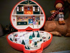 J'avais trouvé deux jolies éditions vintage de Noël en mode Polly Pockets