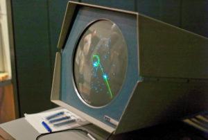 Spacewar! en fonctionnement sur l'ordinateur PDP-1, conservé au musée de l'histoire de l'ordinateur - Wikipedia