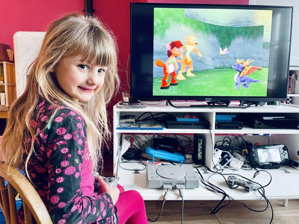 Rose découvre Spyro !