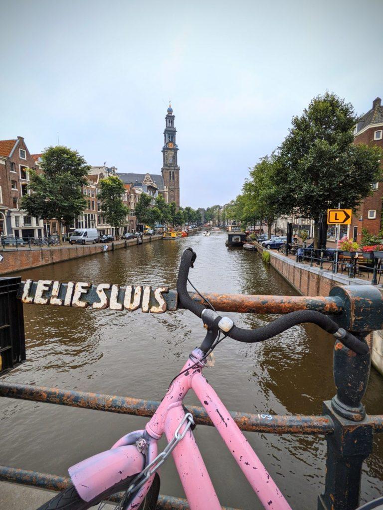 Balade en amoureux dans les canaux du Jordaan - Amsterdam.