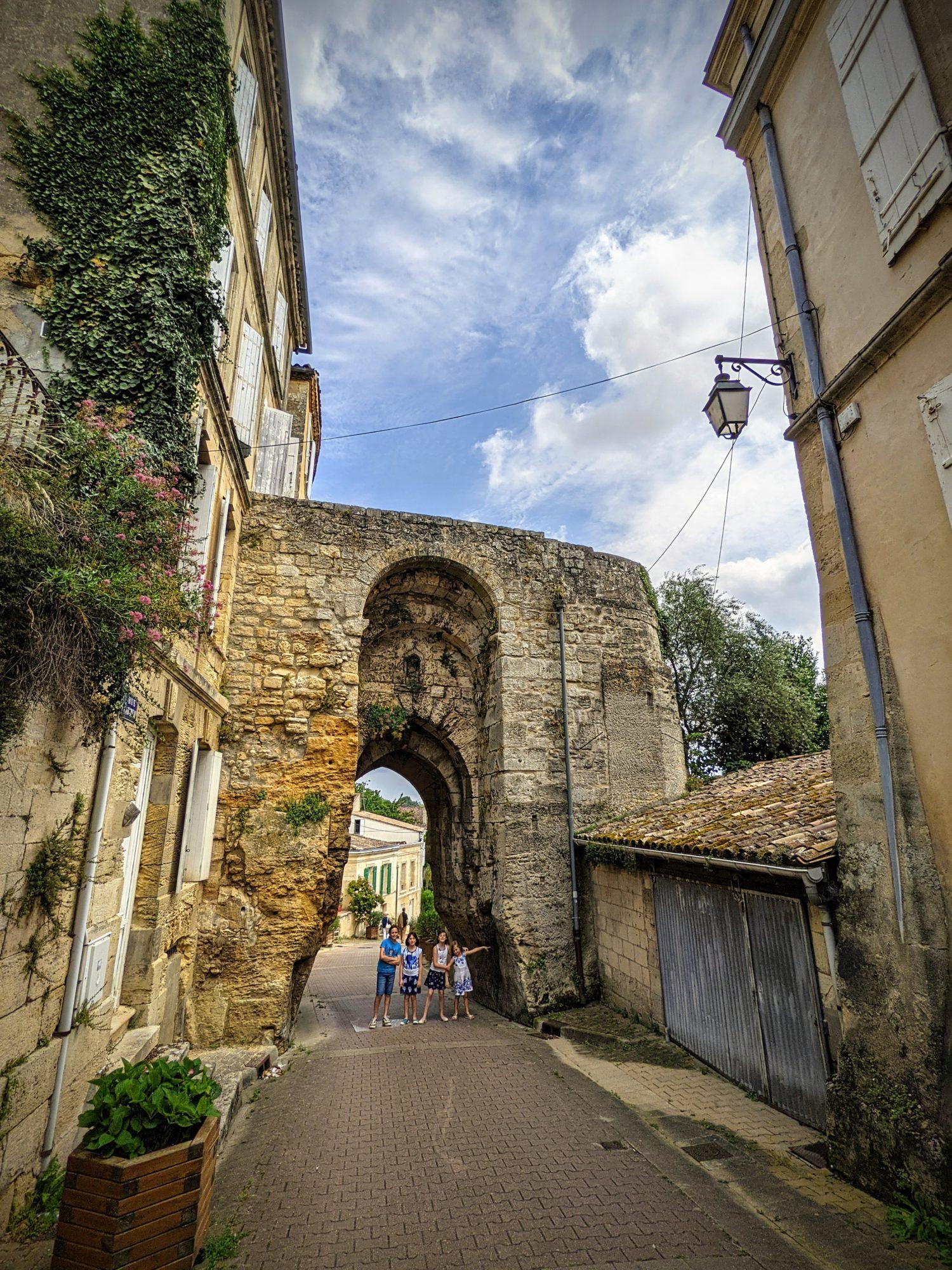 Oubliée, le vieux village de Bourg sur Gironde