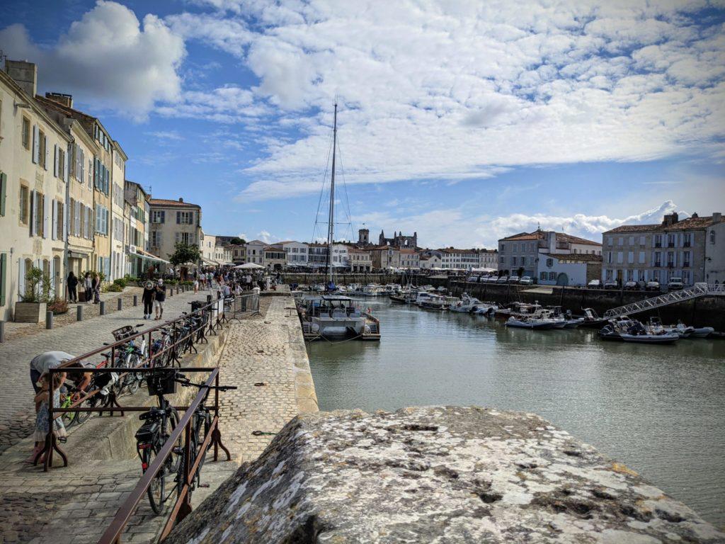 Balade sur le port de Saint-Martin en Ré